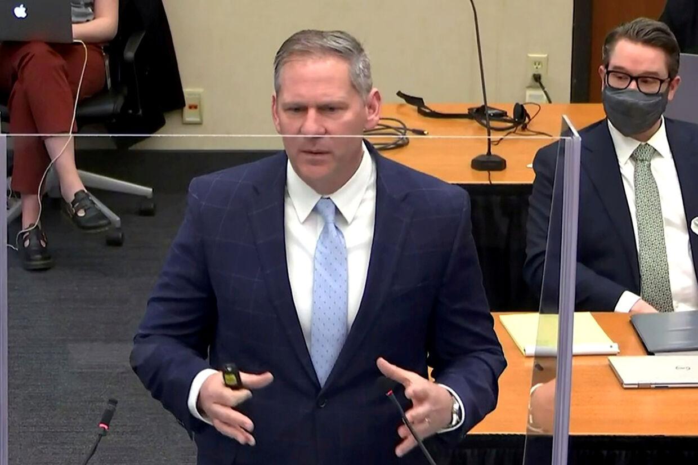 Anklager Steve Schleicher har mandag fremlagt sin afsluttende procedure i sagen om George Floyds død. Pool/Reuters