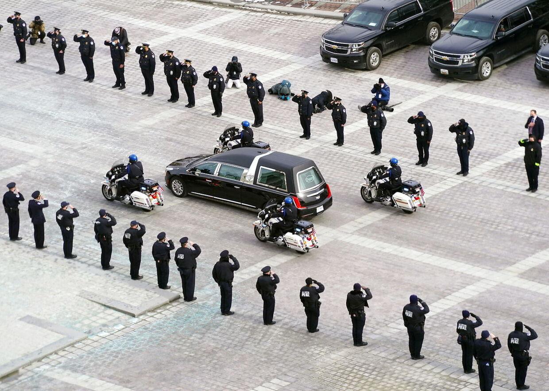 Mindehøjtidelighed for den dræbte betjent i Washington 2. februar.