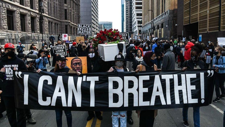 Store demonstrationer har nærmest været hverdag, siden George Floyd mistede livet sidste år.