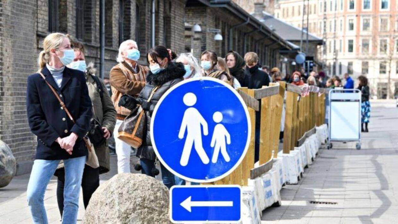 Køen vokser ved DGI Byen i København.
