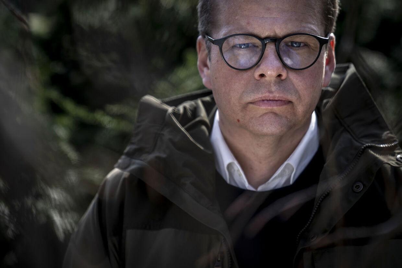 TV 2s tidligere politiske redaktør Anders Langballe er ikke tilfreds med sin tidligere arbejdslads.
