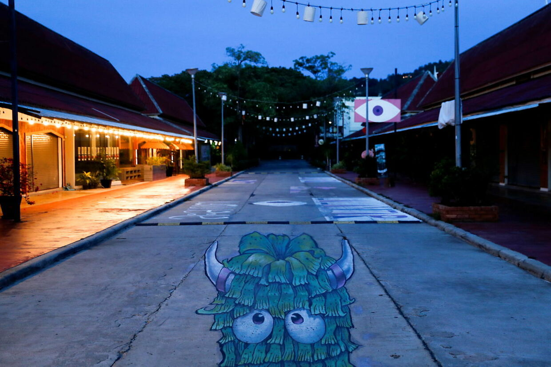 En helt tom gade, Phuket.