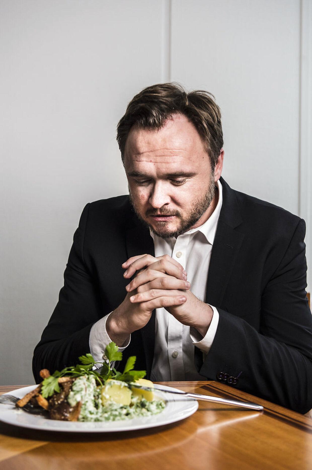 Fødevareminister Dan Jørgensen udnævnte i 2014 danmarks nye nationalret: stegt flæsk med persillesovs.