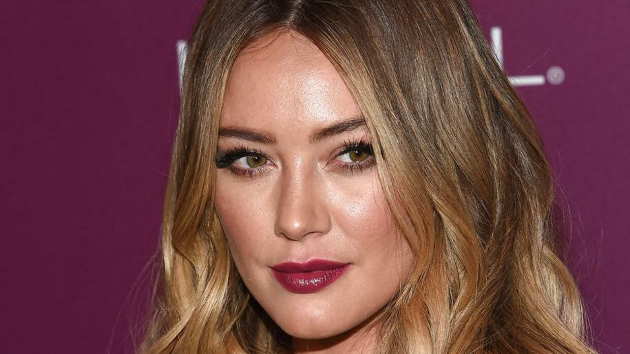 Hillary Duff attends the Entertainment Weekly 2017 pre-Emmy party at the Sunset Tower hotel in West Hollywood, on September 15, 2017. CHRIS DELMAS / AFP