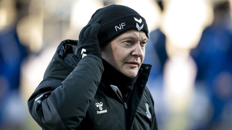 Brøndby og træner Niels Frederiksen spiller helt favoritrollen over i hænderne på Midtjylland.
