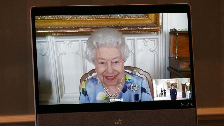 Dronning Elizabeth vendte tirsdag tilbage til sine officielle pligter.