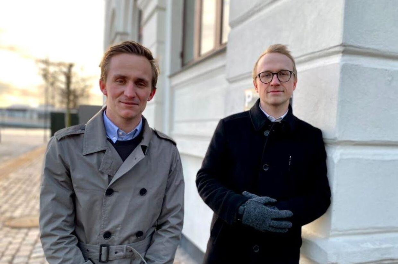 Aske Buemann (tv) og Danni Gregersen har gjort de til en forretning at hjælpe danskerne med at få fat i de skattefradrag, de er berettigede til.