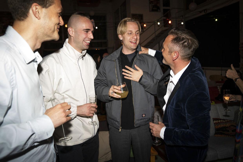 Skuespillere og holdet bag filmen Druk ser årets Oscar-uddeling hos Zentropa, mandag den 26. april 2021. Filmen, instrueret af Thomas Vinterberg, vandt en Oscar for bedste udenlandske film.