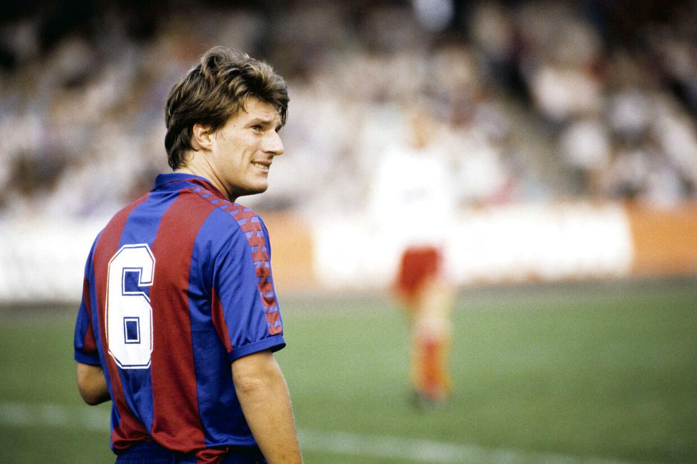 Fodboldspiller, Michael Laudrup spiller for Barcelona.
