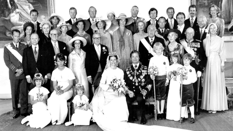 Kong Carl Gustaf giftede sig i 1976 med Silvia. »Det er almindeligt antaget, at Carl Gustaf ville have mistet sin arveret til tronen, hvis han havde giftet sig med Silvia i den gamle konges levetid,« har historiker Jon Bloch Skipper tidligere udtalt til Billed-Bladet.