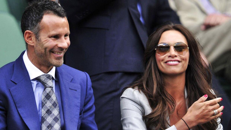 Ryan Giggs med sin ekskone. Det ægteskab sluttede, da det kom frem, at han havde været utro med sin brors kone. (GLYN KIRK / AFP)