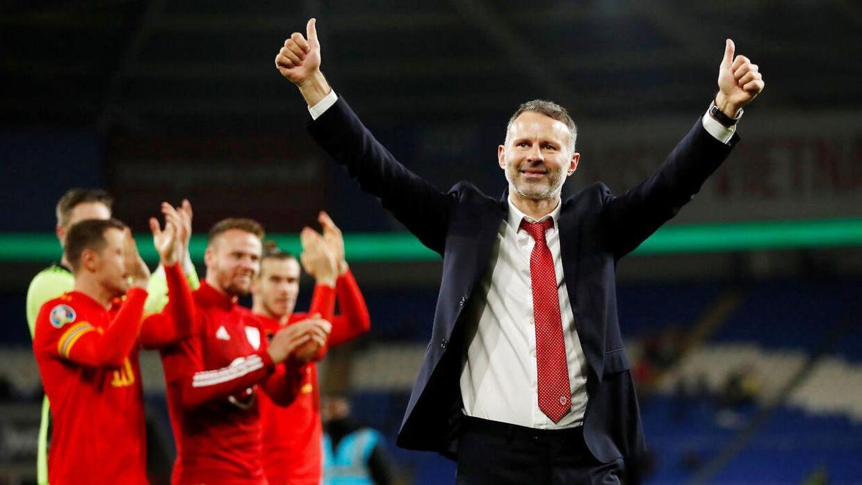 Ryan Giggs' fremtid som landstræner for Wales hænger i en tynd tråd. (Reuters/Andrew Boyers)