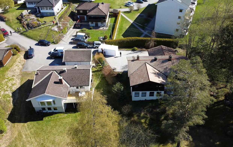 Huset (th) hvor Anne-Elisabeth Hagen forsvandt fra i oktober 2018.
