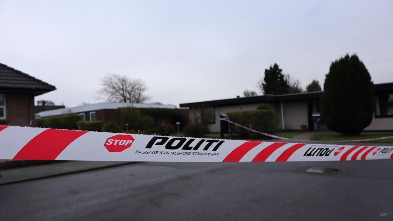 En mand blev lørdag aften ramt af flere hagl fra et gevær i Esbjerg.