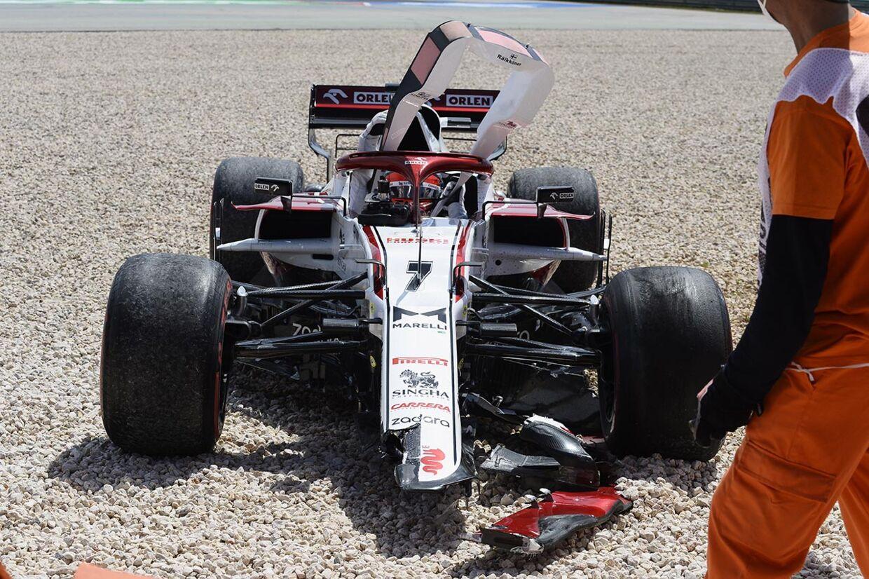 Kimi Raikkonen (Alfa Romeo) var den eneste kører der udgik af Portugals Grand Prix - den finske veteran røg af banen allerede på anden omgang.