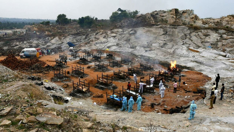 Et massekrematorie udenfor millionbyen Bangalore i det sydlige Indien.