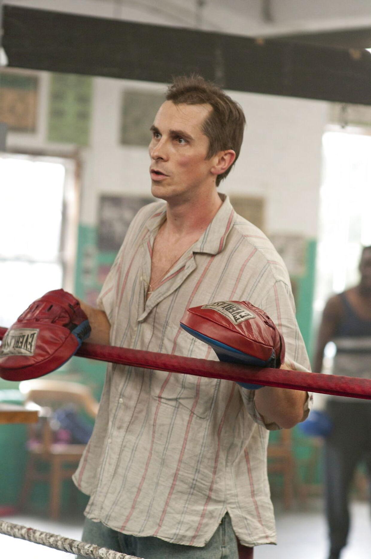 Christian Bale er også kendt for ekstremt vægttab- og forøgelser i forbindelser med sine roller. I filmen 'The Fighter' vejede han kun 65 kilo. EPA/JOJO WHILDEN / PARAMOUNT / HO EDITORIAL USE ONLY/NO SALES