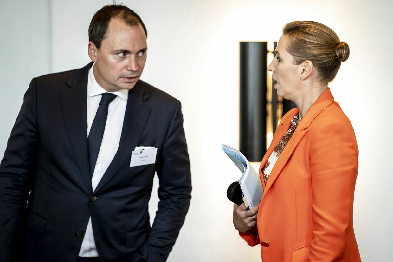 Tommy Ahlers (V) og statsminister Mette Frederiksen (S) før møde, hvor statsministeren er vært ved et møde for Grønt Erhvervsforum. Venstre kom for sent ind i den vigtige klimakamp, siger klimaordfører Tommy Ahlers. (Foto: Mads Claus Rasmussen/Ritzau Scanpix)