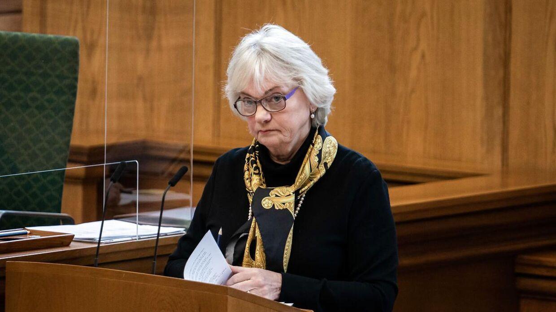 Pia Kjærsgaard er – sammen med Konservative Folkeparti – vred på Venstre over at være blevet udelukket fra en aftale om hjemrejseloven, der er til behandling i Folketinget torsdag.