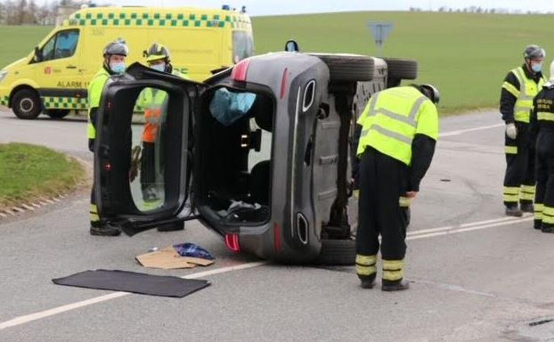 Ældre ægtepar væltet rundt ved trafikulykke i Nordjylland.