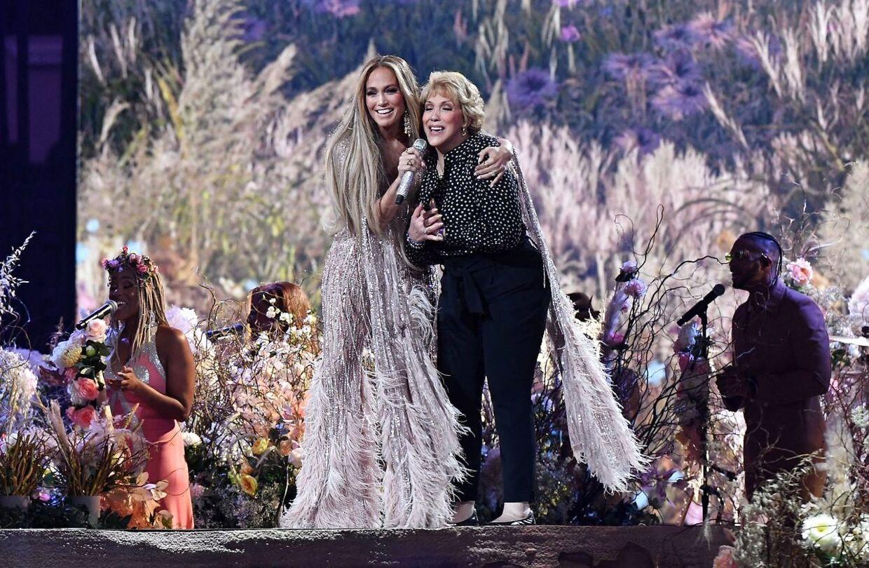 Jennifer Lopez havde sin mor med på scenen.