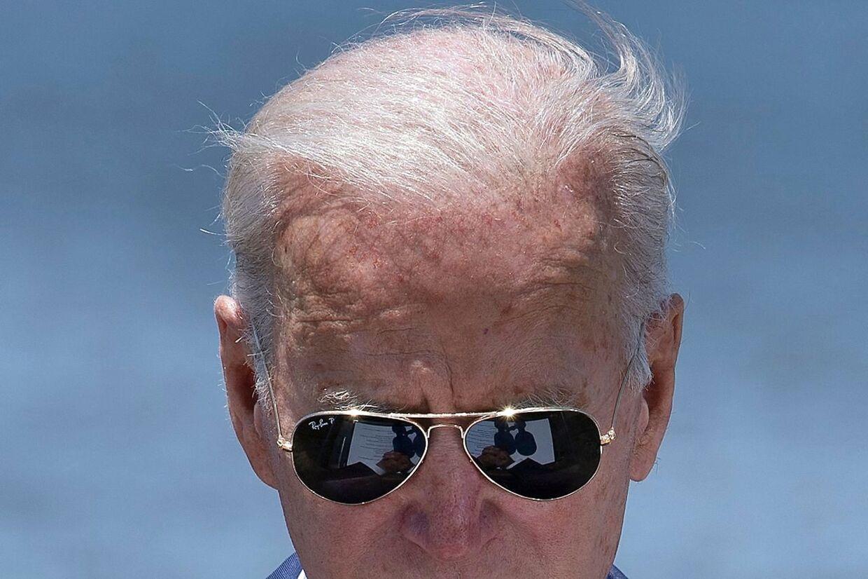 Der er mere Top Gun end Sleepy Joe over Joe Biden, der i den grad sætter dagsordenen. Senest med et overraskende udspil om at frigive patenter på covid-vacciner