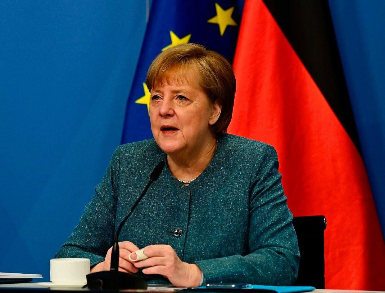 Tysklands kansler Angela Merkel er presset af >Joe <Bidens uspil. Tyskland tjener mange penge på vaccineudvikling.