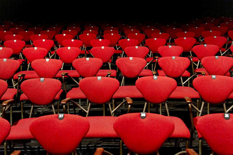 Efter at 2020-sæsonen måtte aflyses pga. corona, er de gamle stole nu igen klar til at tage mod publikum, selvom det bliver med afstand og tomme pladser mellem folk.