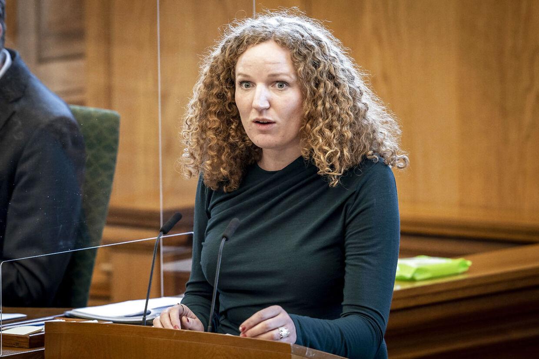Rosa Lund (EL) under møde i salen med ministrenes spørgetid i Folketinget på Christiansborg, onsdag den 3. marts 2021.. (Foto: Mads Claus Rasmussen/Ritzau Scanpix)