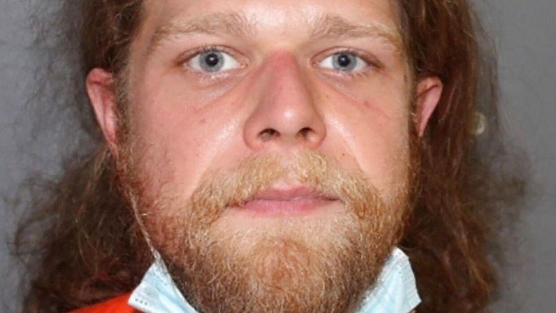Her ses en af de anholdt i sagen, 30-årige Ryan Kramer.