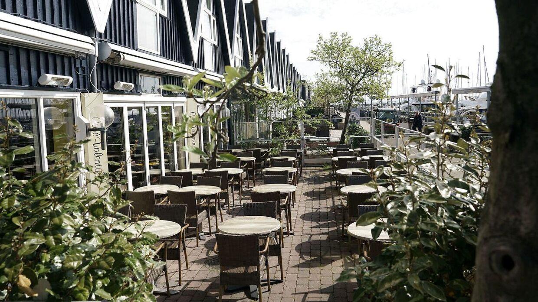 På grund af høje smittetal er Hørsholm Kommune lukket ned. Her er det restauranterne ved Rungsted Havn.