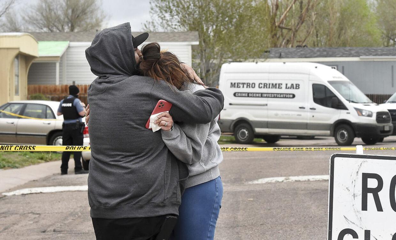 Nubia Marquezs (th) mor var blandt ofrene for masseskyderiet.
