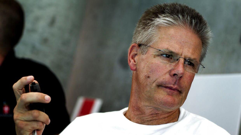 Paulus Wildeboer var landstræner fra 2008 til 2013. Han døde i 2014.