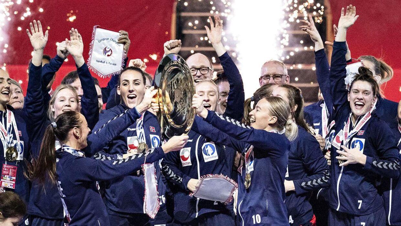 De norske kvinder kunne løfte EM-trofæet på dansk jord tilbage i december. Nu får de muligheden for at gøre det på hjemmebane.