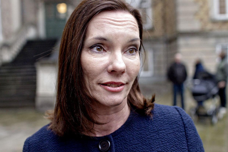 Jannie Spies ankommer til Østre Landsret torsdag morgen d. 11. april 2013