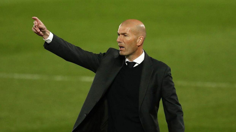 Real Madrid holdt torsdag aften mesterskabsdrømmen i live efter en 4-1-sejr over Osasuna.