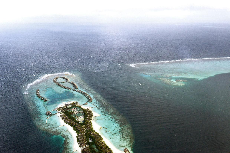 Maldiverne har været et yndet feriemål for rige indere, men det er der nu sat en midlertidig stopper for. AFP PHOTO/ Roberto SCHMIDT. ROBERTO SCHMIDT / AFP