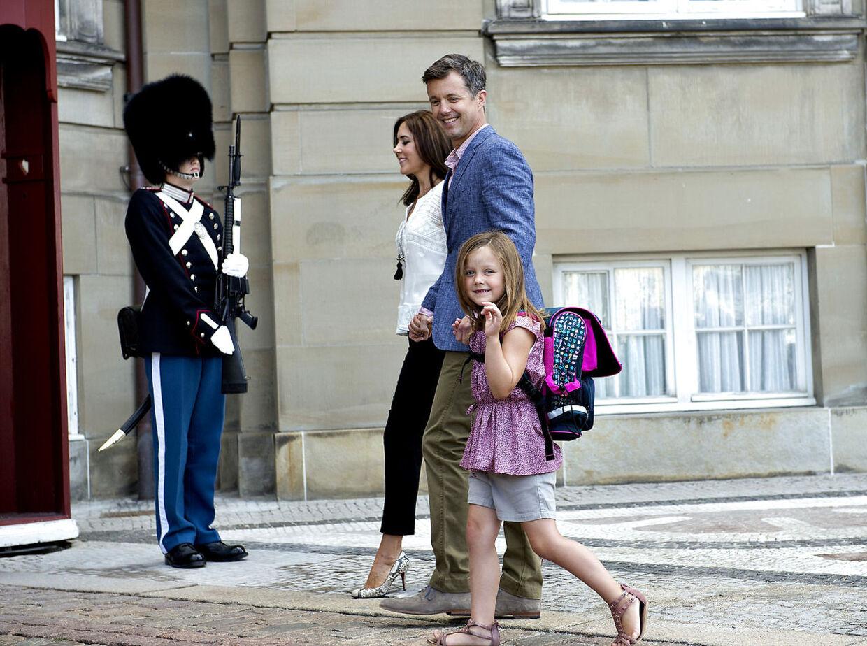 Prinsesse Isabellas første skoledag Foto: Keld Navntoft/Scanpix 2013