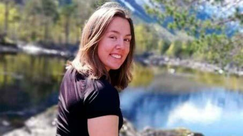 Stine Bostad blev kun 22 år. Hun døde af en blodprop i lungerne i april.