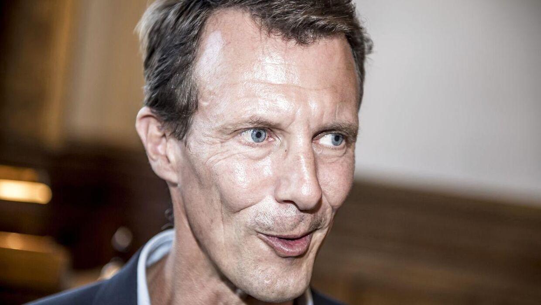 Prins Joachim er forsvundet fra det danske mediebillede - og han føler sig misforstået i de franske blade,
