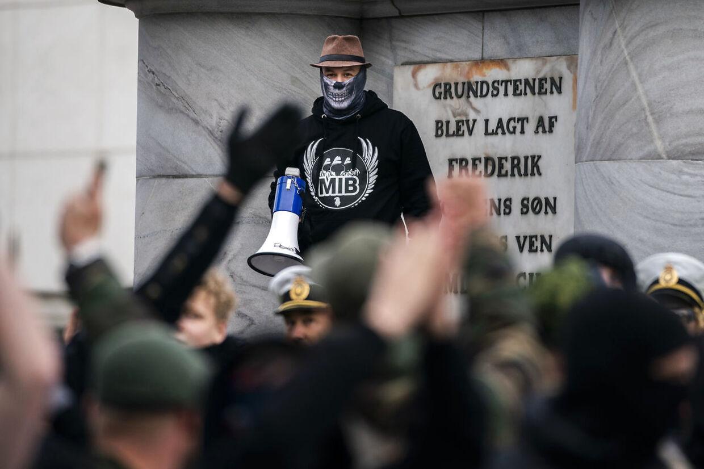 Flere personer er blevet dømt for deres rolle i uroligheder ved de såkaldte Men In Black-demonstrationer.