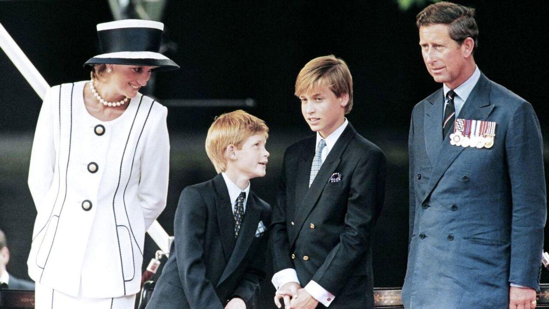 Prinsesse Diana med sine to sønner og prins Charles i 1995.
