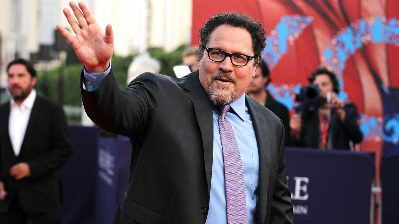 'Iron Man'-instruktøren Jon Favreau blev tilbudt rollen som Chandler, men havde for travlt.