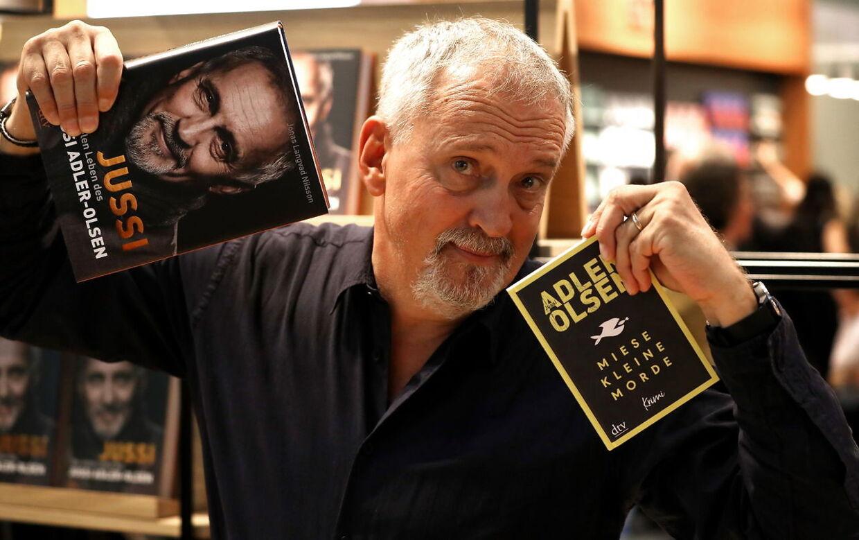 Jussi Adler-Olsen har skrevet ti bøger om Afdeling Q, som er oversat og solgt til hele verden.