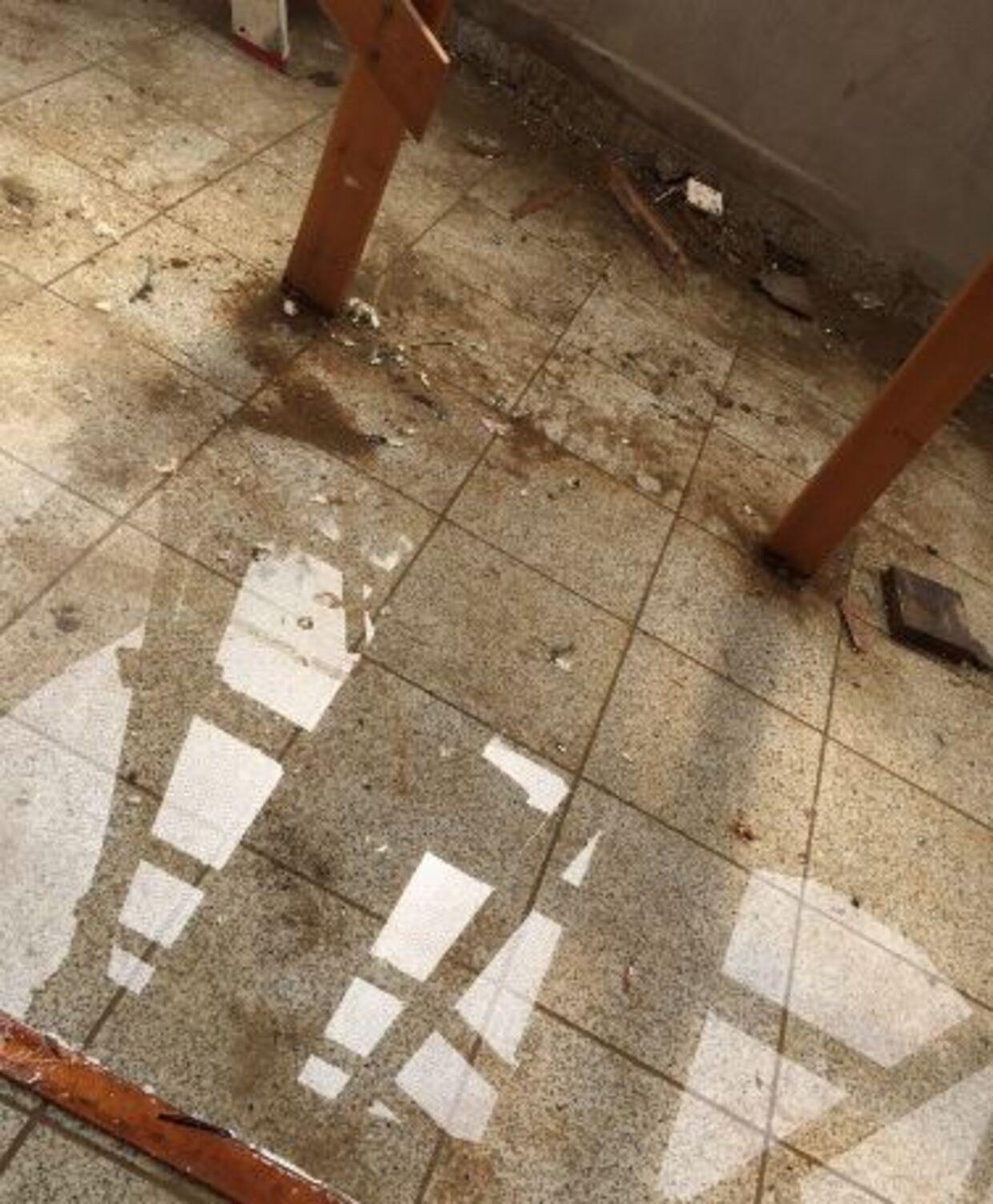 Manglende afdækning betød, at der gentagne gange trængte vand ind i kælderen.