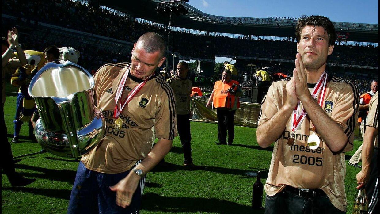 Sådan så det ud, da Michael Laudrup som cheftræner og John 'Faxe' Jensen som hans assistent blev danske mestre med Brøndby tilbage i 2005.