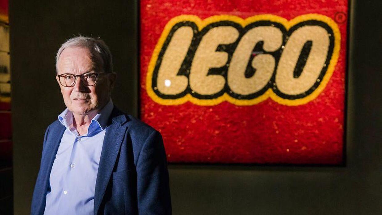 De to søstre er døtre af Kjeld Kirk Kristiansen - tredje generations ejer af LEGO Koncernen.