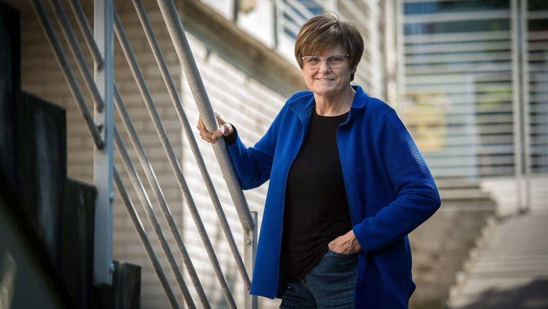Det er den ungarnske forsker Katalin Kariko, der tilbage i begyndelsen af 1990'erne begyndte at teste mRNA-teknologien, som i dag har ført til udviklingen af covid-19 vacciner.