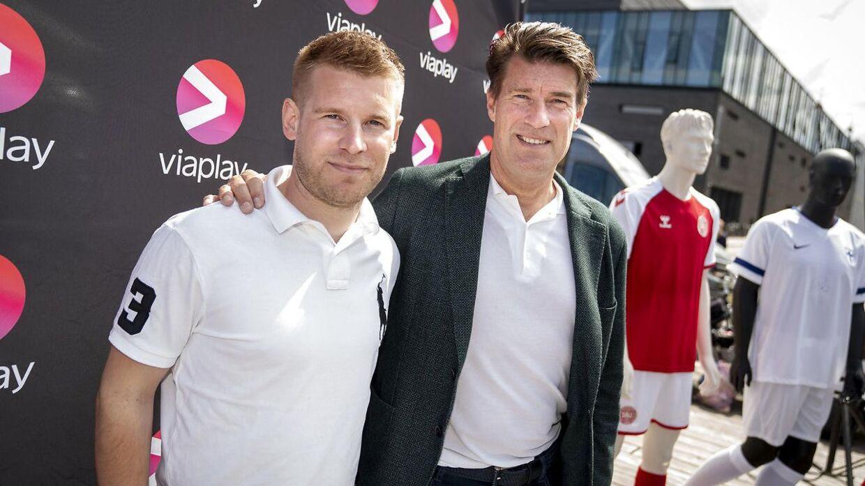Far og søn, Michael og Mads Laudrup sammen ved Ofelia Plads, der danner rammen om Københavns største EM-fest.