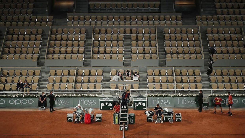 To spillere er smidt ud af French Open efter at være blevet testet positive.